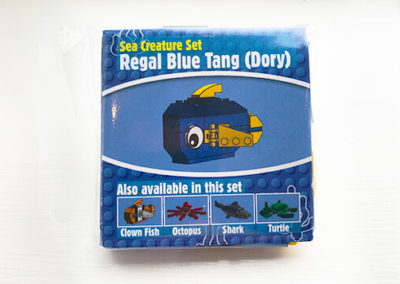 brick-finding-dory-regal-blue-tang-packet-front